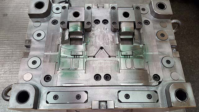 Manutenção preventiva em moldes de injeção